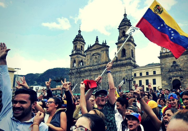 Quiénes necesitan tramitar el PEP en Colombia